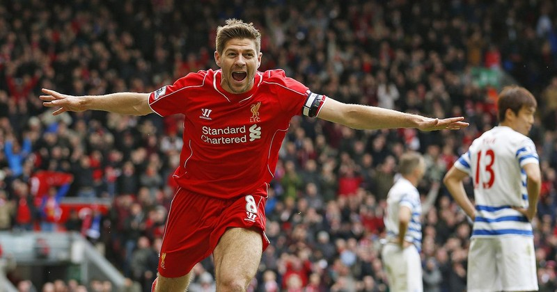 Gerrard bâng khuâng đứng giữa hai dòng nước - ảnh 1