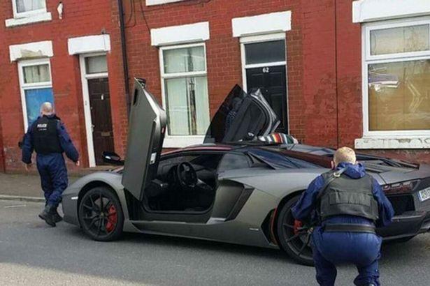 Samir Nasri bị cảnh sát giữ siêu xe Lamborghini 330.000 bảng Anh - ảnh 3