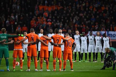 Xúc động buổi lễ tưởng niệm 'thánh' Johan Cruyff - ảnh 10