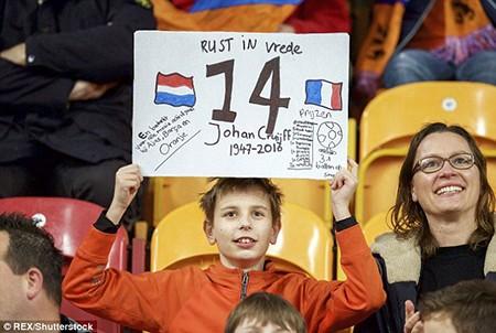 Xúc động buổi lễ tưởng niệm 'thánh' Johan Cruyff - ảnh 5