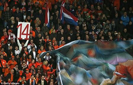 Xúc động buổi lễ tưởng niệm 'thánh' Johan Cruyff - ảnh 6