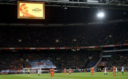 Xúc động buổi lễ tưởng niệm 'thánh' Johan Cruyff - ảnh 12
