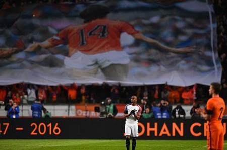 Xúc động buổi lễ tưởng niệm 'thánh' Johan Cruyff - ảnh 16