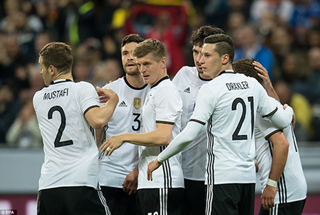 Đức 'đè bẹp' Ý, Anh 'phơi áo' trước Hà Lan - ảnh 3