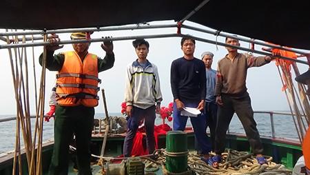 Tàu cá Trung Quốc liều lĩnh vào rất sâu vùng biển Việt Nam đánh bắt - ảnh 1