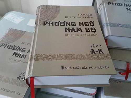 Phát hành sách Phương ngữ Nam Bộ - ghi chép và chú giải - ảnh 1