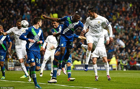 Ronaldo lập hattrick, Real ngược dòng 'thần thánh' loại Wolfsburg - ảnh 3