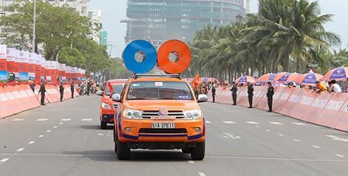 Nguyễn Thành Tâm chiếm trọn 3 màu áo - ảnh 6