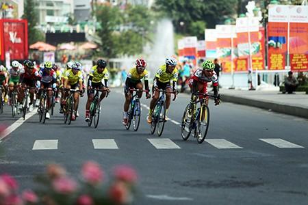 Nguyễn Thành Tâm khẳng định ngôi vị đầu giải áo xanh - ảnh 5