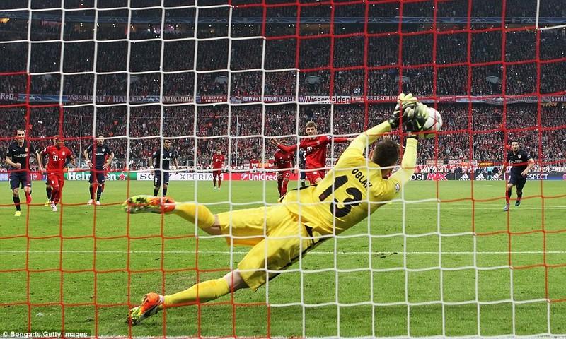 Bayern bị Atletico loại tức tưởi trong trận cầu siêu kịch tính - ảnh 1