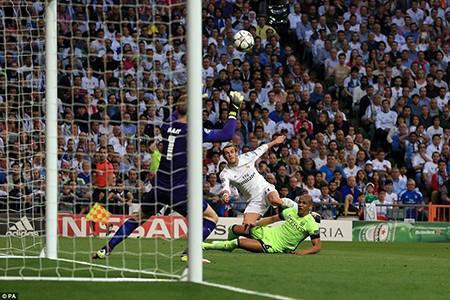 Real hội ngộ Atletico tại chung kết nhờ bàn phản lưới nhà - ảnh 2