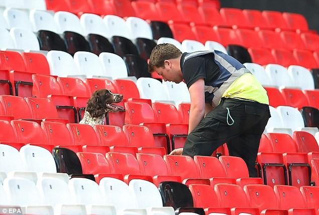 Nghi bị gài bom, trận cuối cùng của Man United bị hủy - ảnh 3