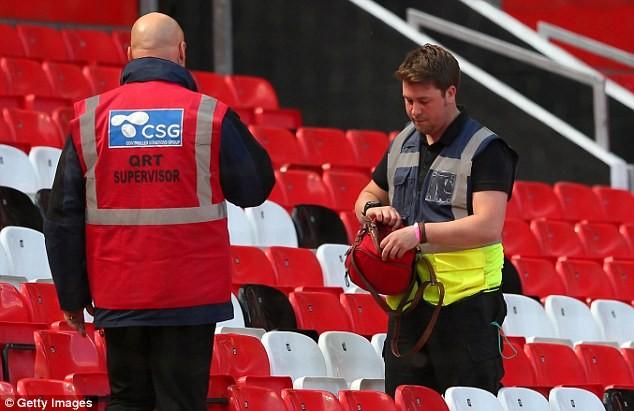 Nghi bị gài bom, trận cuối cùng của Man United bị hủy - ảnh 4