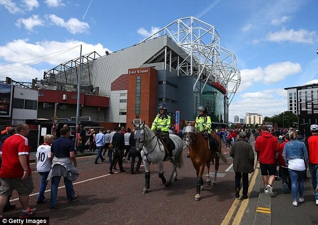 Nghi bị gài bom, trận cuối cùng của Man United bị hủy - ảnh 11