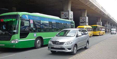 Thêm tuyến xe buýt từ sân bay Tân Sơn Nhất vào trung tâm TP - ảnh 2