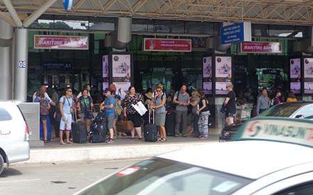 Thêm tuyến xe buýt từ sân bay Tân Sơn Nhất vào trung tâm TP - ảnh 3