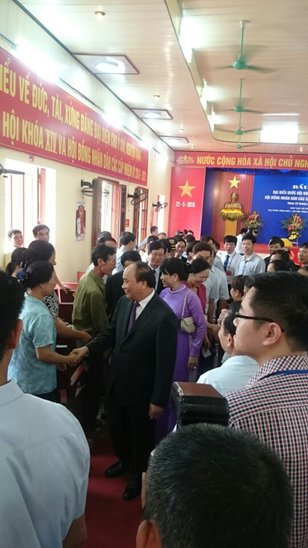Thủ tướng Nguyễn Xuân Phúc cùng phu nhân bỏ phiếu tại Hải Phòng - ảnh 5