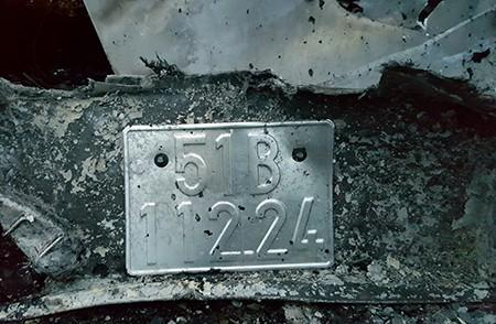 Cận cảnh 2 xe khách tông nhau bốc cháy, 12 người không thể nhận dạng - ảnh 10