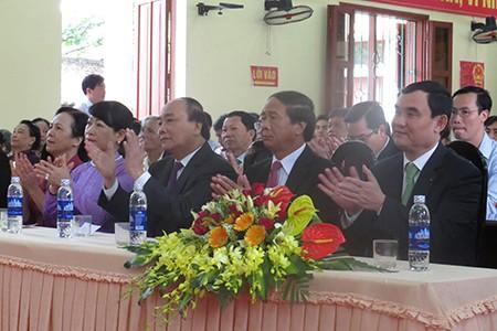 Thủ tướng Nguyễn Xuân Phúc cùng phu nhân bỏ phiếu tại Hải Phòng - ảnh 2