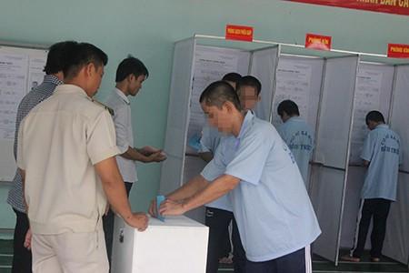 Hàng trăm học viên trại cai nghiện đi bầu cử - ảnh 4