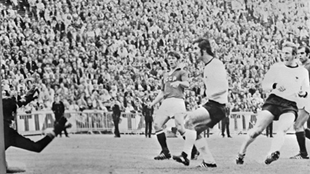 Euro 1972 - 'Kẻ dội bom' Gerd Muller đưa Tây Đức lên đỉnh châu Âu - ảnh 2
