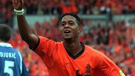 Euro 2000: 'Gà trống Gô-loa' làm nên lịch sử - ảnh 1