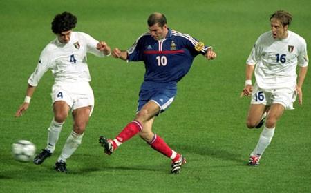 Euro 2000: 'Gà trống Gô-loa' làm nên lịch sử - ảnh 2
