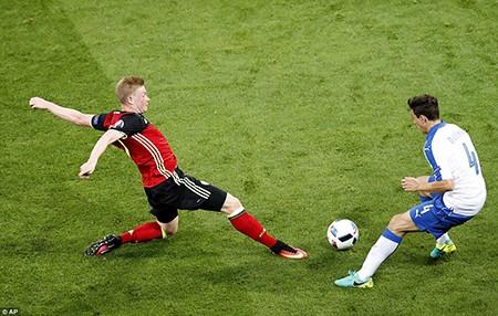 Ý 2-0 Bỉ: Bản lĩnh thiên thanh! - ảnh 3