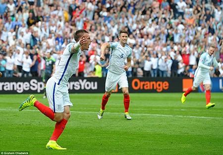 Anh 2-1 xứ Wales: Ngược dòng đầy cảm xúc - ảnh 2