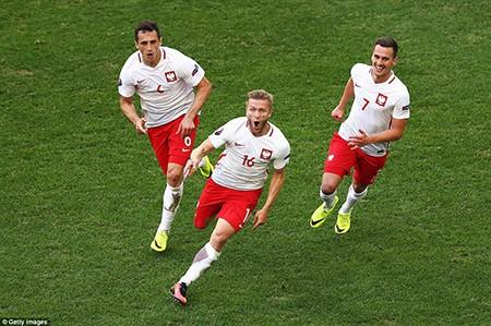 Đức cùng Ba Lan tiếp tục hành trình chinh phục Euro 2016 - ảnh 3