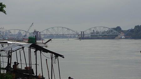 Chùm ảnh: Cầu Ghềnh mới trước ngày thông tàu - ảnh 2
