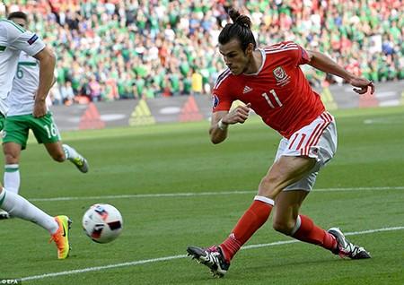 Bale tỏa sáng, xứ Wales viết tiếp giấc mơ - ảnh 1