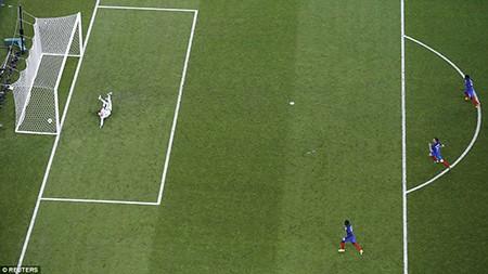 Ronaldo bật khóc, Eder hóa người hùng, Bồ Đào Nha vô địch Euro 2016 - ảnh 7