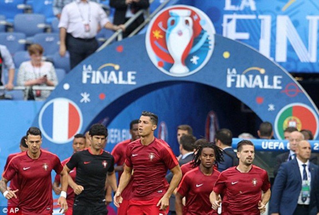 Ronaldo bật khóc, Eder hóa người hùng, Bồ Đào Nha vô địch Euro 2016 - ảnh 54