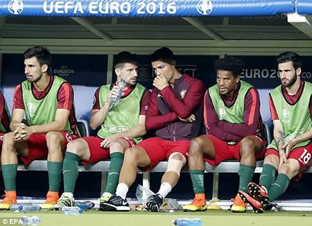Ronaldo bật khóc, Eder hóa người hùng, Bồ Đào Nha vô địch Euro 2016 - ảnh 19