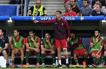 Ronaldo bật khóc, Eder hóa người hùng, Bồ Đào Nha vô địch Euro 2016 - ảnh 20