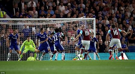 Tỏa sáng phút cuối, Costa giúp Conte ra mắt thành công - ảnh 2