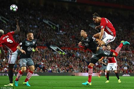 Pogba ra mắt, Ibrahimovic 'lên đồng', MU nhẹ nhàng thắng Southampton - ảnh 2