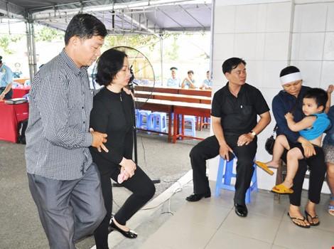 Chùm ảnh: Lễ viếng học viên phi công hy sinh do máy bay rơi ở Phú Yên - ảnh 3