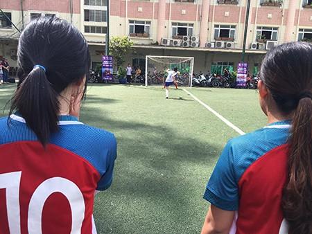 Giải bóng đá Hội Nhà báo TP.HCM 2016: Bóng hồng trên sân cỏ! - ảnh 16