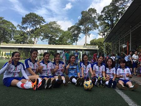 Giải bóng đá Hội Nhà báo TP.HCM 2016: Bóng hồng trên sân cỏ! - ảnh 7