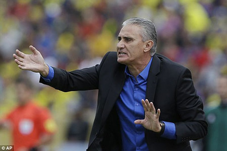 Messi gọi, Neymar trả lời, Brazil thắng lớn Ecuador - ảnh 1