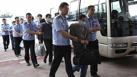 Quan tham Trung Quốc trốn ra nước ngoài cũng không thoát - ảnh 1