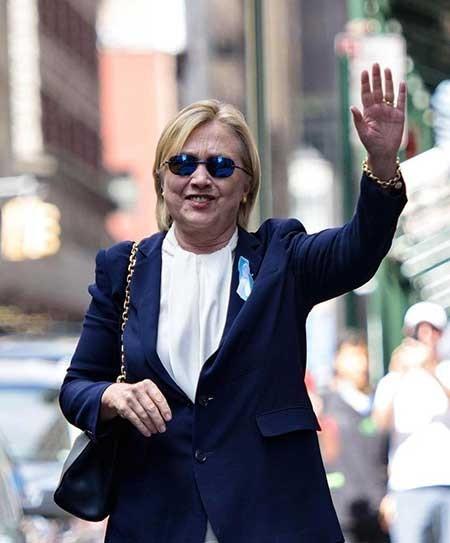 """Tổng thống Obama """"giải cứu"""" bà Hillary Clinton - ảnh 1"""