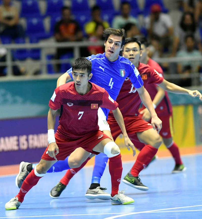 Vòng chung kết Futsal World Cup 2016: 10 năm của bầu Tú - ảnh 2