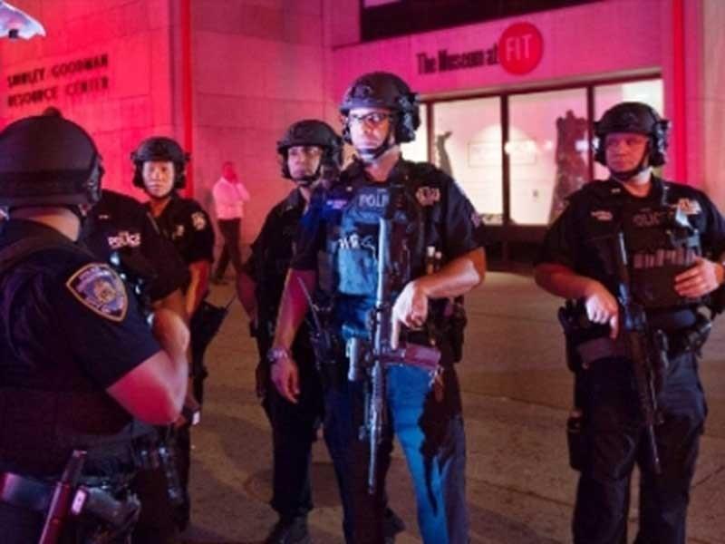 2 vụ nổ và 1 vụ đâm dao xảy ra cùng 1 ngày ở Mỹ - ảnh 1
