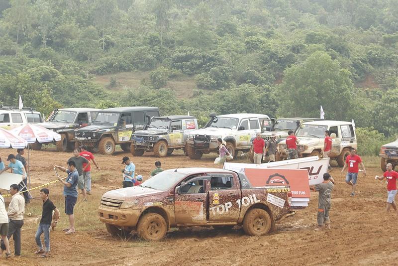 Đã mắt với Giải đua xe ô tô địa hình Việt Nam 2016 - ảnh 6