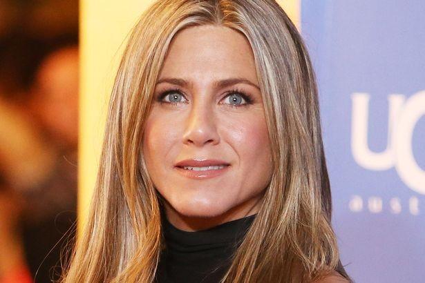 Mourinho từng chửi Brad Pitt khi thấy Jennifer Aniston - ảnh 2