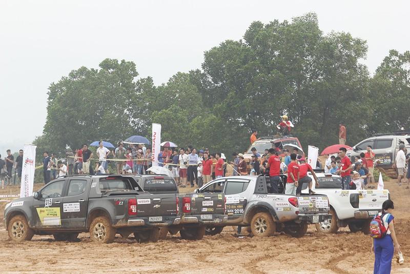 Đã mắt với Giải đua xe ô tô địa hình Việt Nam 2016 - ảnh 7