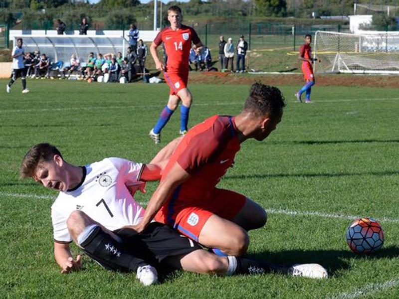 U-17 Anh thắng 'không tưởng' U-17 Đức 8-1 - ảnh 1